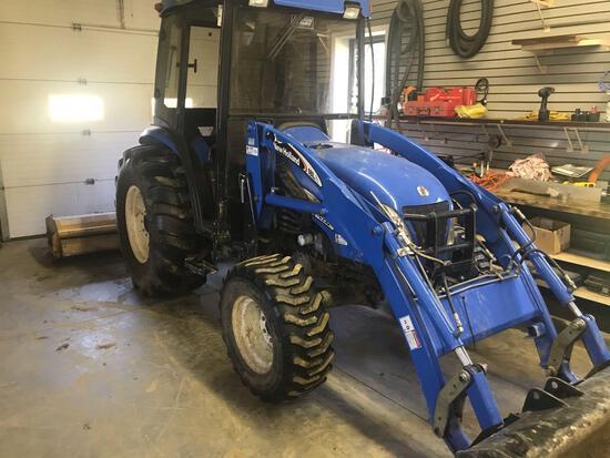 New holland TC55DA tractor w/loader