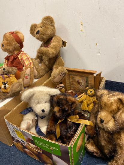 Boyds Bears, Ashton drake gene dolls new in boxes 5 total and 1 dewees Cochran doll with video