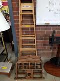 Stepladder, 2 wood shelves