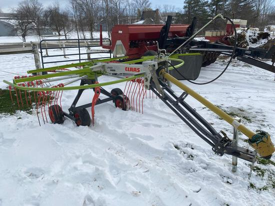 Claas Liner 370 T rotary rake - one owner like new