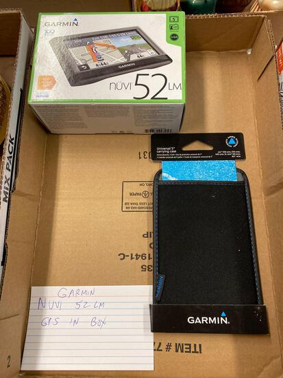 Garmin Nuvi 52LM GPS in box
