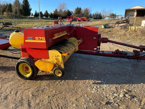 NEW HOLLAND 575 SQUARE BALER