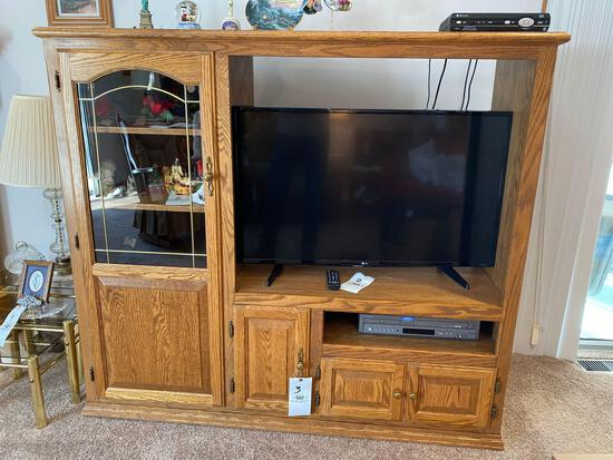 Entertainment center - no contents