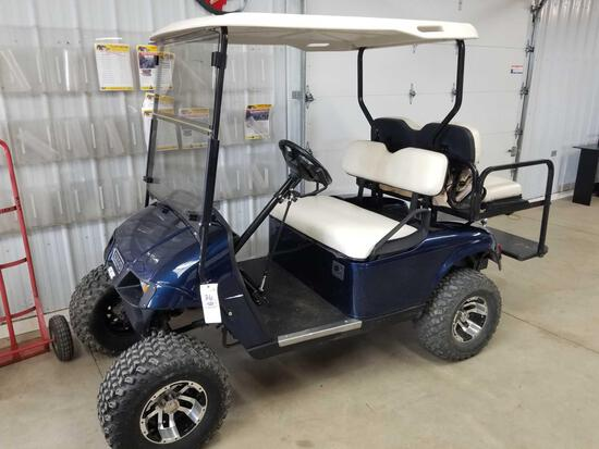 E-Z-Go electric golf cart, approx 2015, with charger, 4 seater, runs