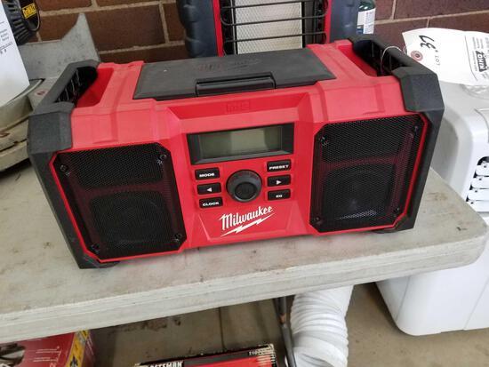 Milwaukee radio, works, no battery