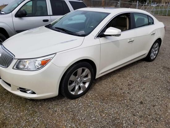 2010 Buick LaCrosse, leather, loaded, sunroof