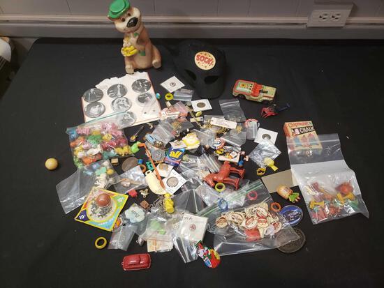 Yogi, Mask, premiums, pins, belt buckle, toys