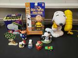 Charlie Brown, Snoopy phone, ornaments