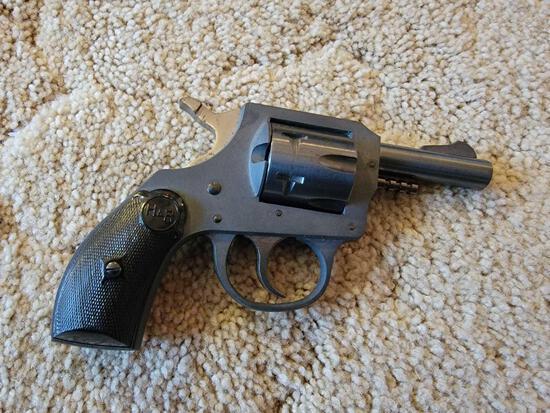 H&R Model 622 .22-cal. Revolver