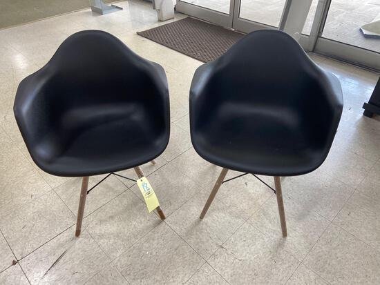 (2) Retro Black Dining Chairs