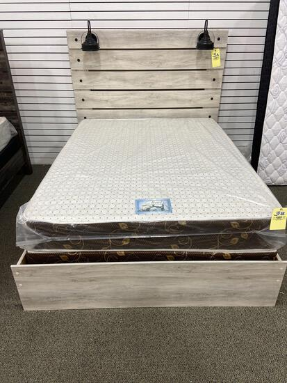 Queen Signature Design by Ashley Headboard and bed Frame