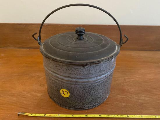 Grey graniteware berry pail.