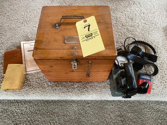 El-Tronics Geiger counter w/ instructions booklet, accessories, 1950's.