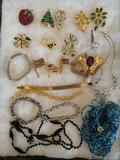 (21) pcs. jewelry w/ display tray.