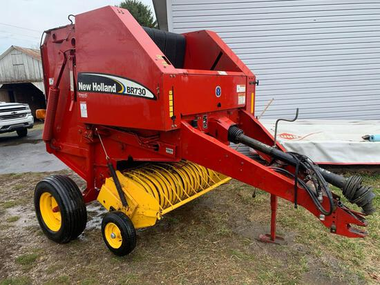 New Holland BR730 4x4 Round baler