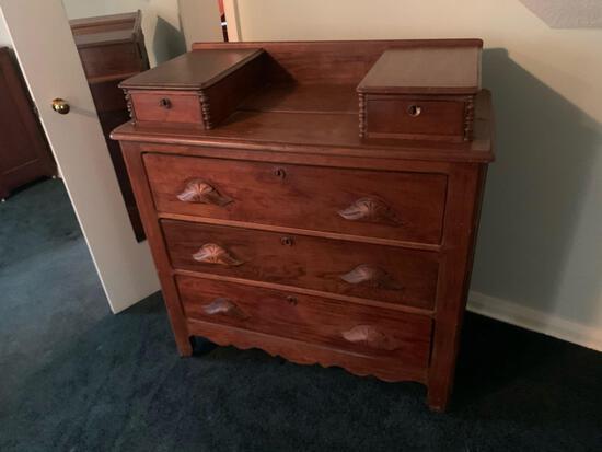 Victorian three-drawer Dresser