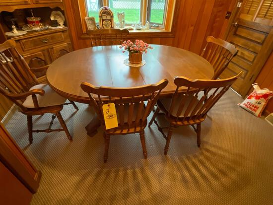 Dinette table with 5 chairs two leaves
