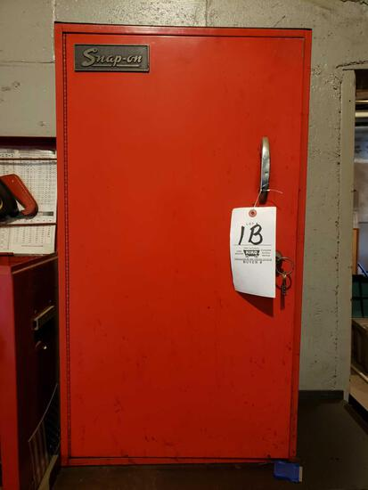 Snap-On side cabinet with key
