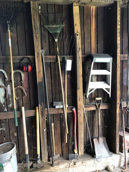 Lawn tools, stepladder