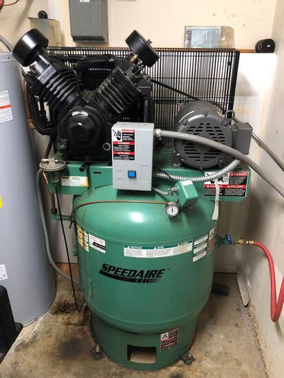 SpeedAire 10hp 85gal 220v Upright Compressor