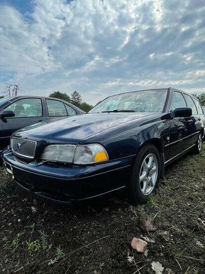 1999 Volvo V70 Wagon, Runs, Miles Unknown