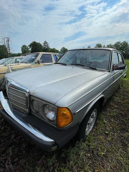 1982 Mercedes Benz 300D Turbo Diesel, 160K, Ran when parked
