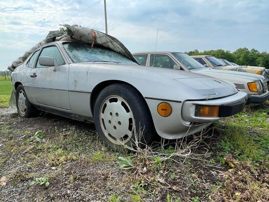 1987 Porsche 94S 2.5 Turbo, Gas, Broken Glass, Needs Towed, Miles Unknown