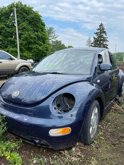 2000 Volkswagen New Beetle for Parts, Good Engine/Transmission, Miles Unknown