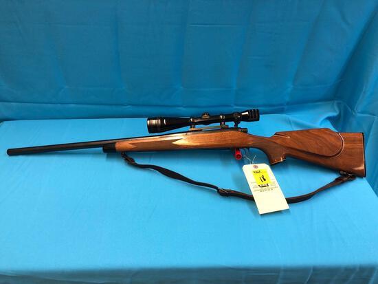 Remington model 700 223 REM 6710156 with scope