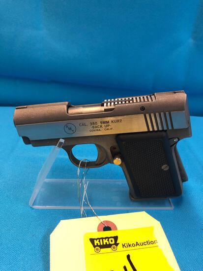 AMT 380 9mm A66936 extra clip