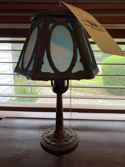 Slag-glass lamp