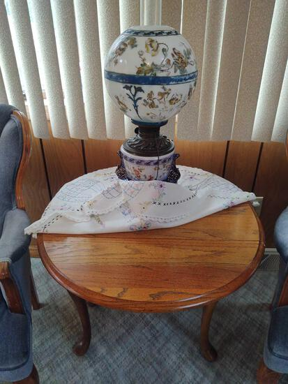 Drop Leaf Side Table w/ Banquet Lamp
