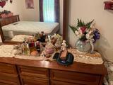 Perfumes, Figurines, Decorations