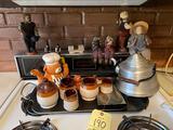 Figurines, Teapot