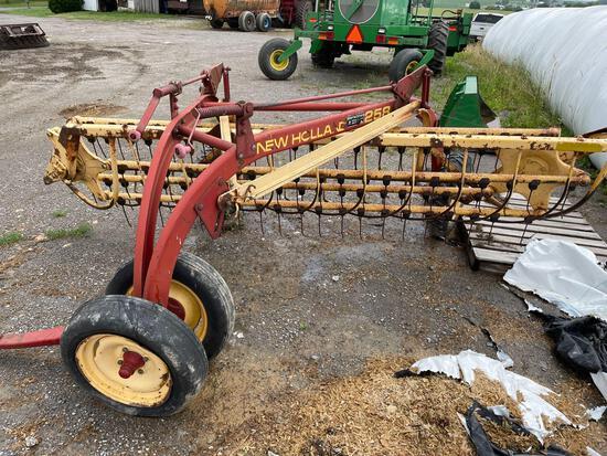 New Holland 258 hay rake w/dolly wheel