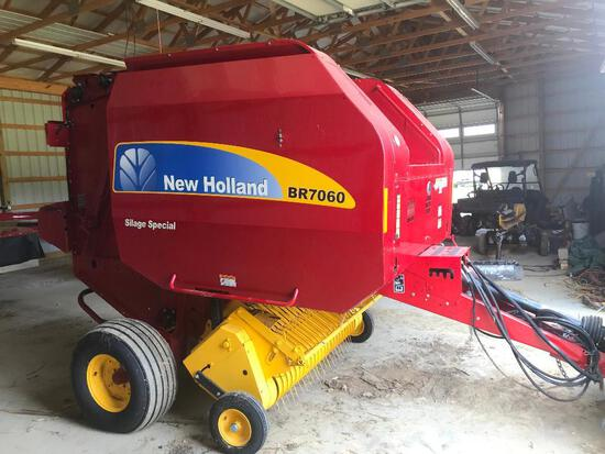 2013 New Holland BR7060 silage special round baler, net or string w/ bale command plus monitor