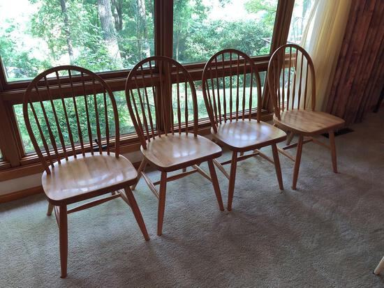 (4) matching dining chairs