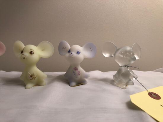 (7) hand-painted Fenton mice
