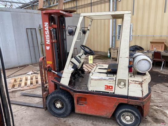 Nissan 30 LP Forklift