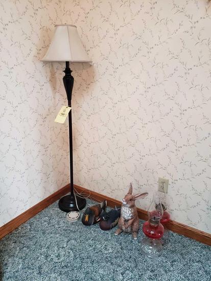 Floor lamp, oil lamps, ducks, rabbit statue