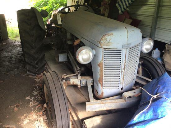 Ferguson 30 Tractor, Gas, W/ like-new tires