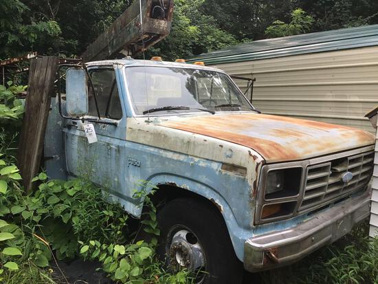 1983 Ford F-350 Boom Truck