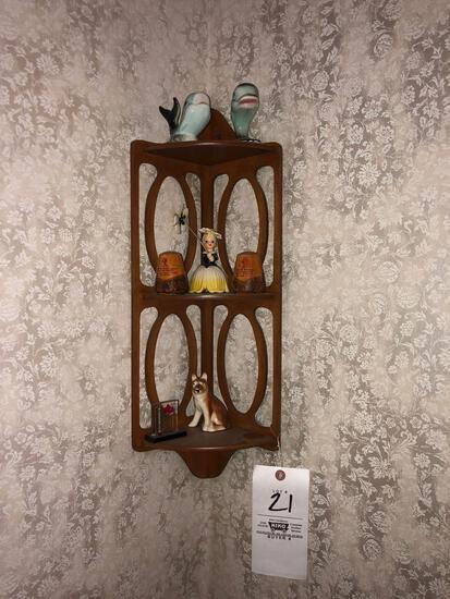 Corner Shelf, Decor