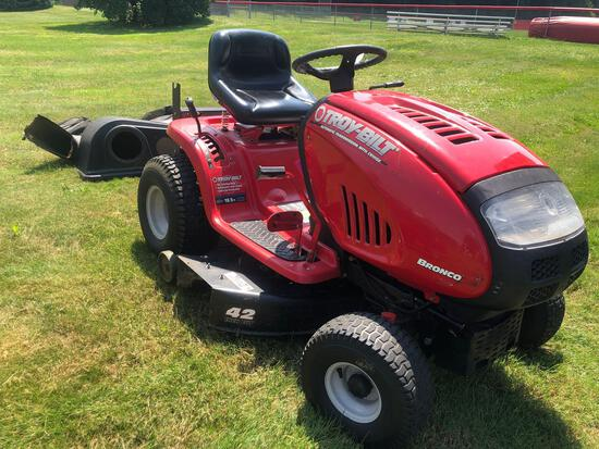 Troy Bilt 42in Cut, 18.5 HP, Riding Mower with Bagger System