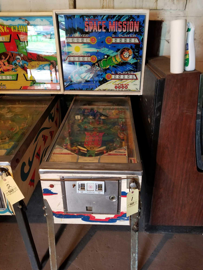 Pinball Machines - Arcade Games - 18024 - Matt K