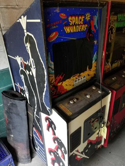 Midway Space Invaders arcade machine, key