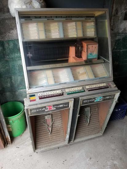 Seeburg stereo jukebox, no key