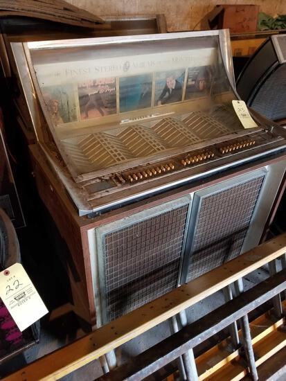 Seeburg console jukebox, no key