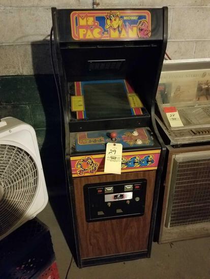 Midway Ms. Pac-Man arcade machine, no key