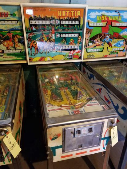 Wlliams Hot Tip pinball machine, no key